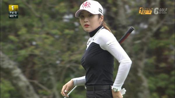 ゴルフ中継パンチラ18