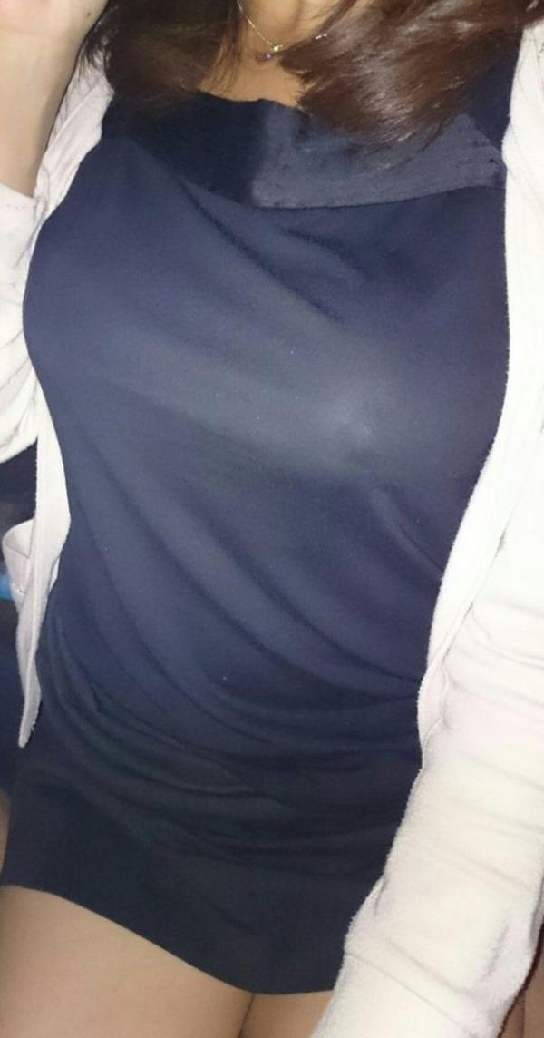 ノーブラ乳首