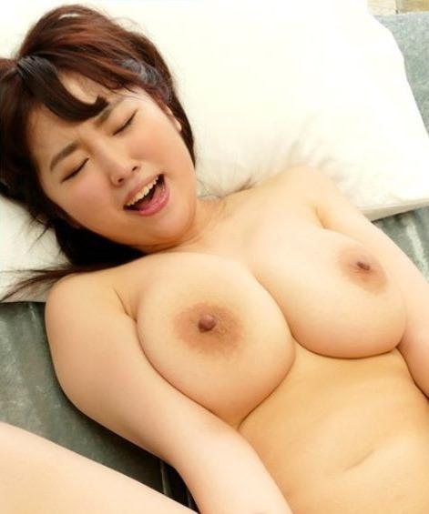 (松本菜奈実Jカップ現役グラドルのSEX写真・ムービー)100㎝ロケット乳の乳輪☆