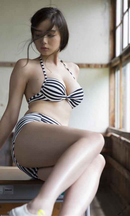 ビキニ娘31984.jpg