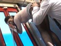 ムチムチ巨尻なタイトスカートのお姉さんとバス車内で遭遇したので…