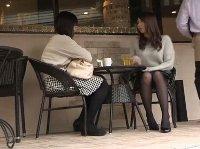 喫茶店で見かけた黒パンスト女子の太ももにムラムラ発情しちまった俺