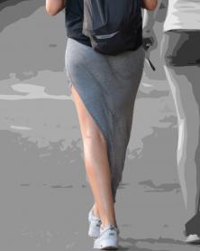 タイトなストレッチロングスカート
