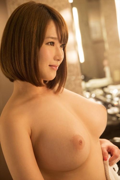 おっぱい揉む? AV女優 04