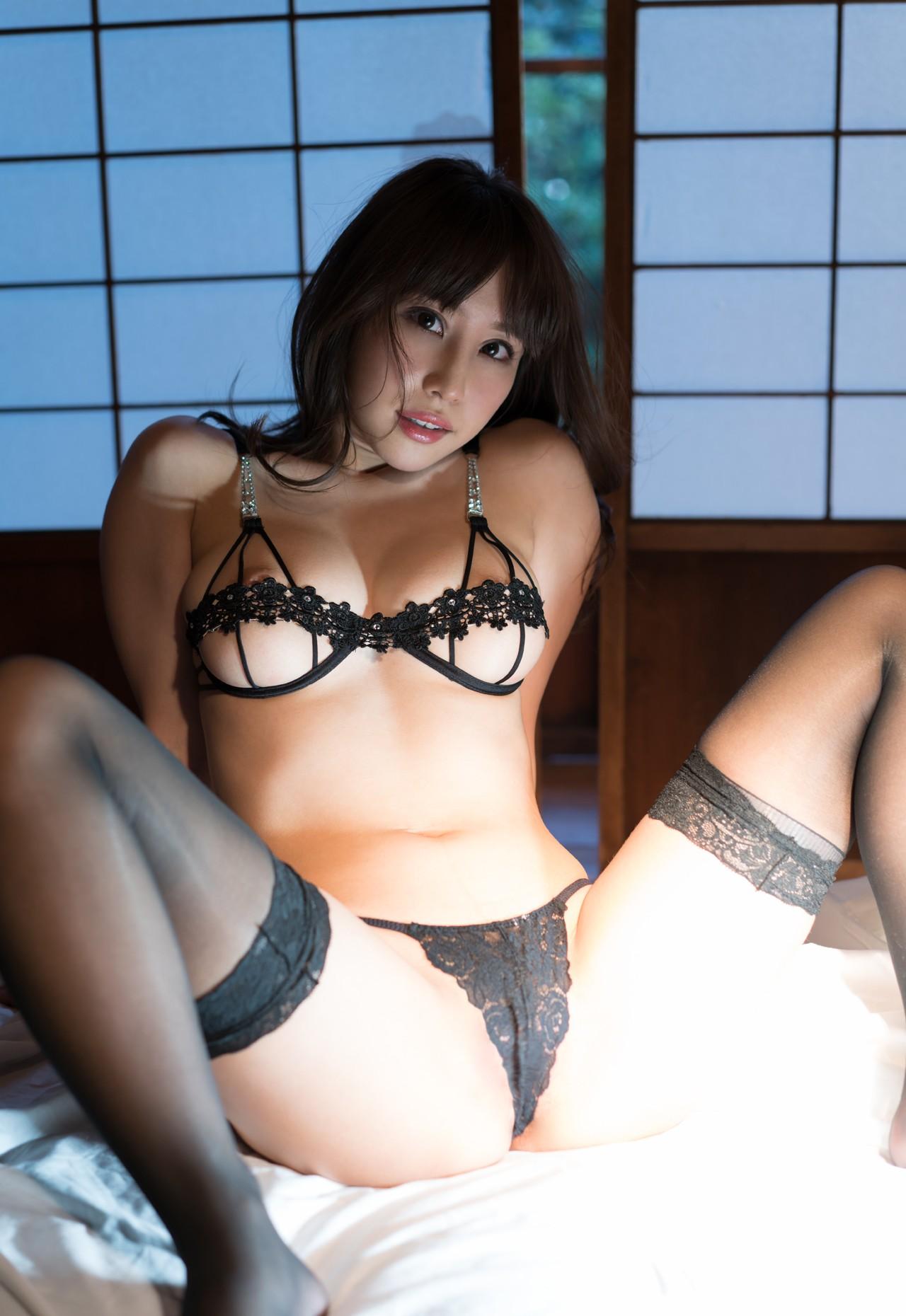 Hot asian women lingerie