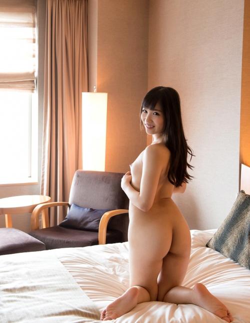 栄川乃亜 18
