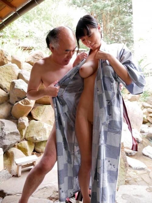 桐谷まつり いいなり温泉旅行 03