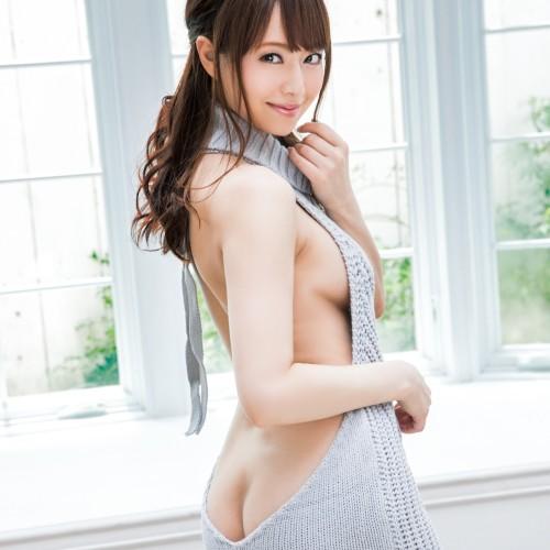 例のセーターを着て男を誘惑しまくる欲求不満人妻の淫らな欲情生活 吉沢明歩