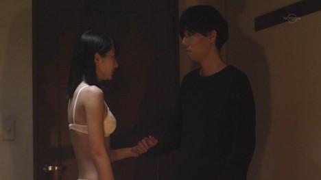 武田玲奈のお尻の割れ目が透けてる純白下着姿 132-4