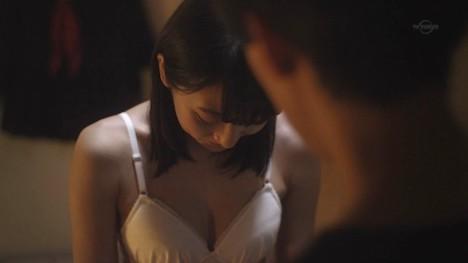 武田玲奈のお尻の割れ目が透けてる純白下着姿 147-5