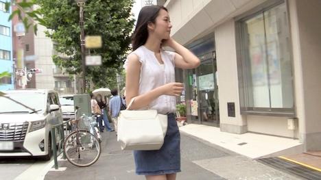 【プレステージプレミアム】街行くイイオンナが初めての逆ナン!かりん(21) 4