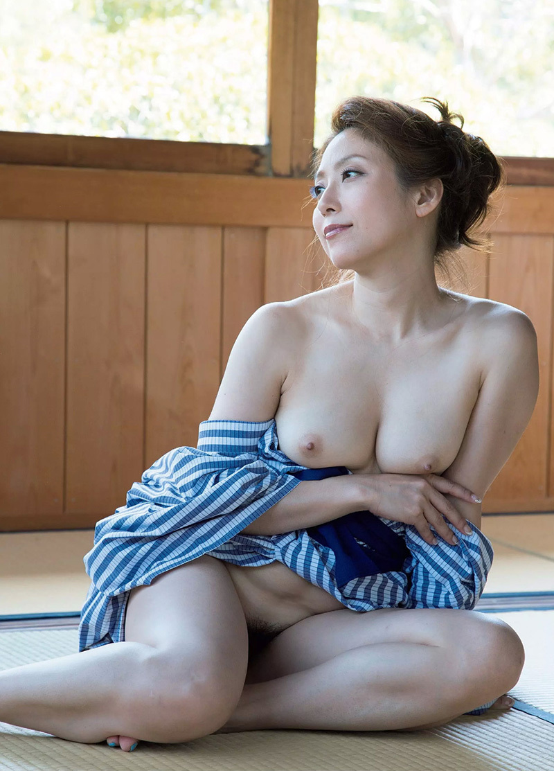 【No.35107】 おっぱい / 白木優子
