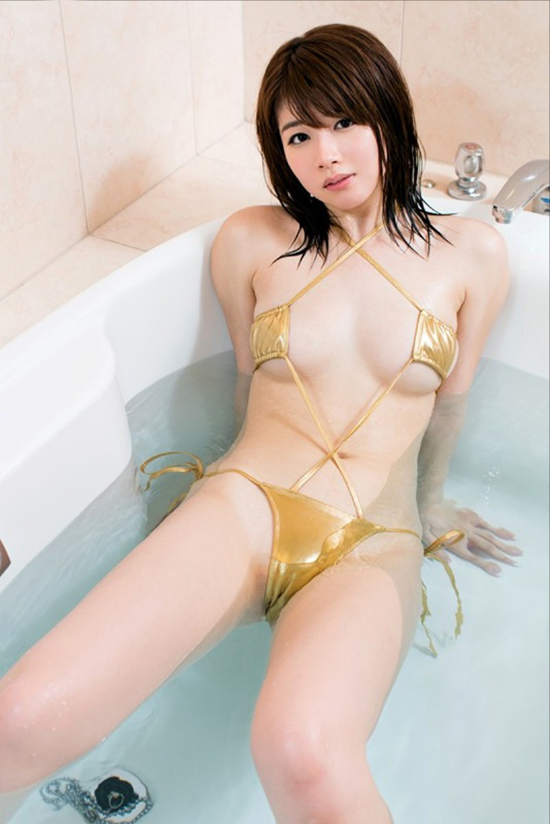 【No.35731】 入浴 / 伊東ちなみ