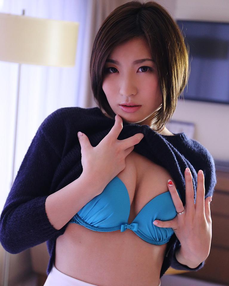 【No.36806】 谷間 / 夏希みなみ
