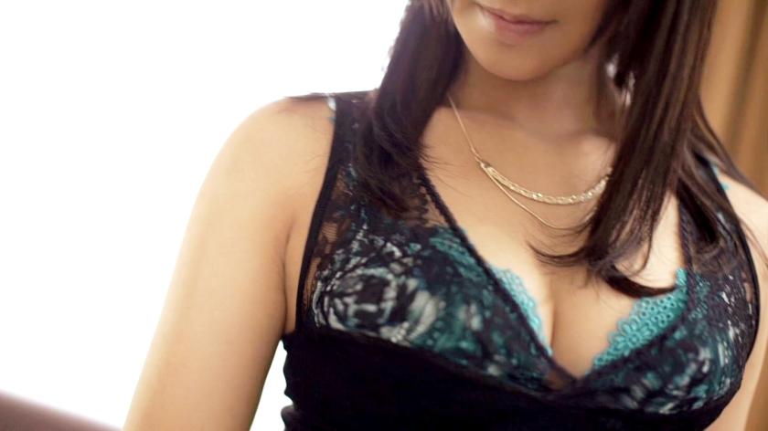 程よい褐色肌の巨乳女子の胸元強調したファッションのせいでセックスが激しいことになるwwwww