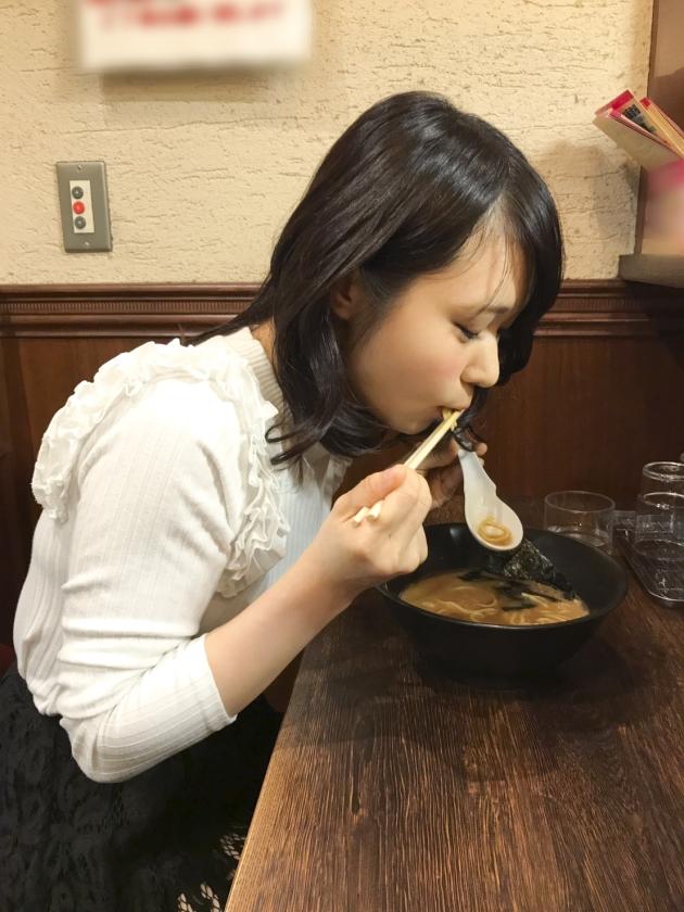 ラーメンの食べ方でエロか判別する猛者が現れるwwwwザーメンも大好きとかやかましいわwwwww