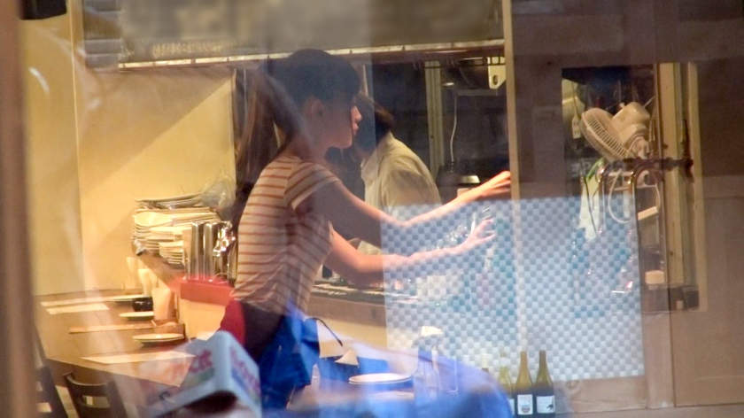 たまに行くカフェの店員のおまんこちゃんがこんなに濡れピンクでヒクヒクとエッチにうごめいているとしたらどうする?wwwww