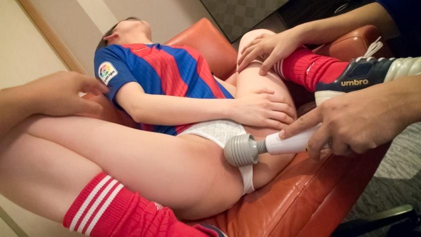 フットサルで鍛えた体と下半身がいい具合の女子2人の性的実態がとってもエッチwwwwwww