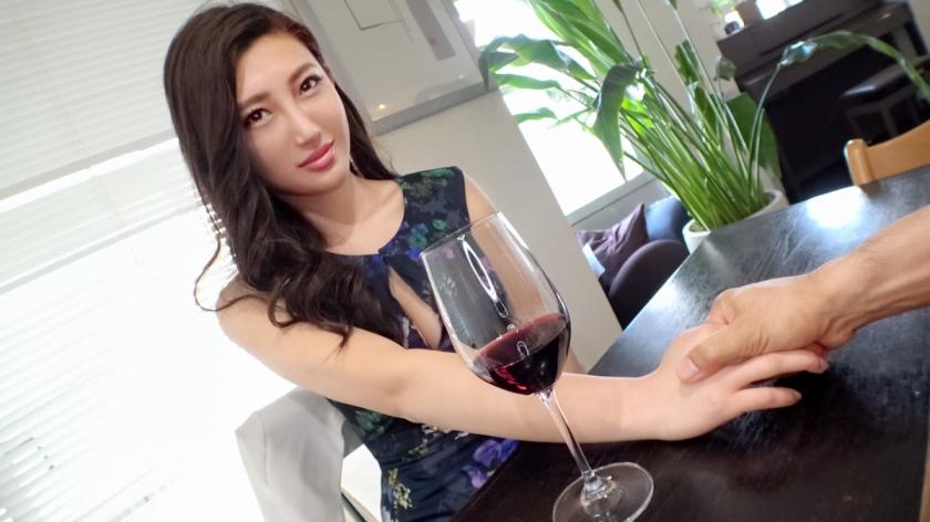 35歳の美人妻がワイン飲んで酔ったら即エロモードに入ってシミケンと変態セクロスしちゃったwwww