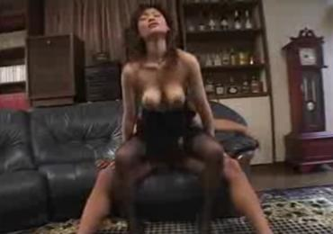 爆乳揺れ具合がエロ過ぎる熟女な爆乳社長秘書をセクハラSEXでハメ倒す!楠真由美