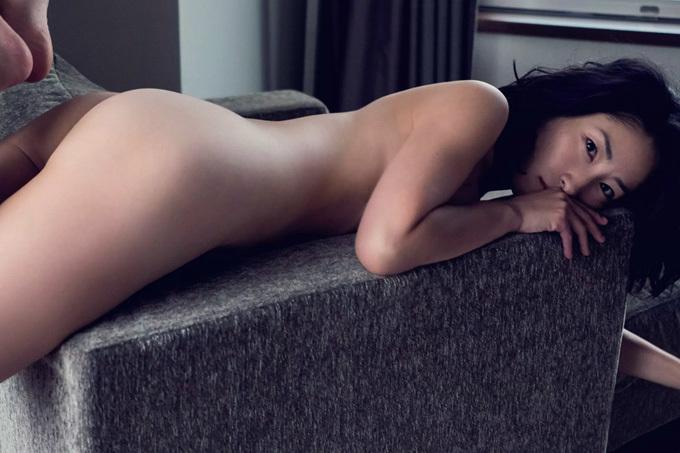 佐藤寛子 美しいハダカ。