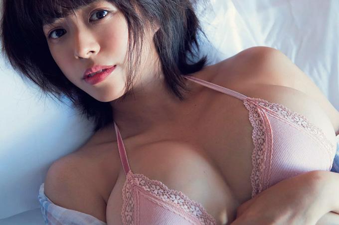"""わちみなみ 現役JDアイドル…物凄い存在感の""""わちち""""グラビア"""