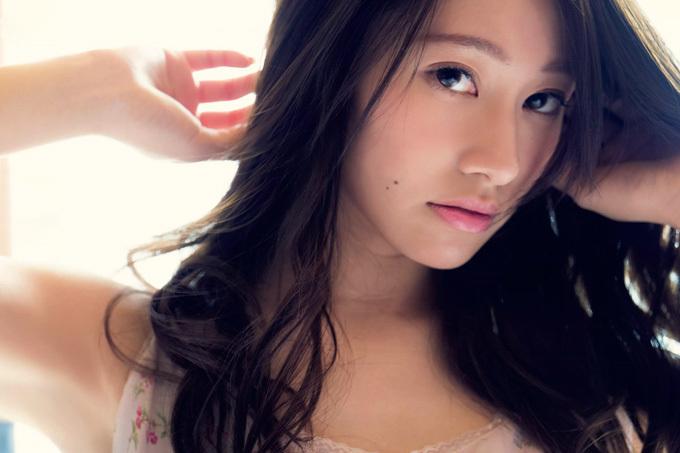 桜井玲香 マレーシアで弾けた…美グラビア。