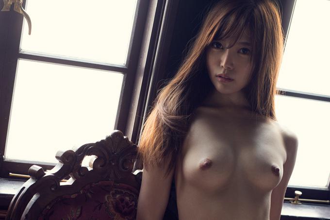 美麗グラビア × 榊梨々亜 婀娜やかな裸体