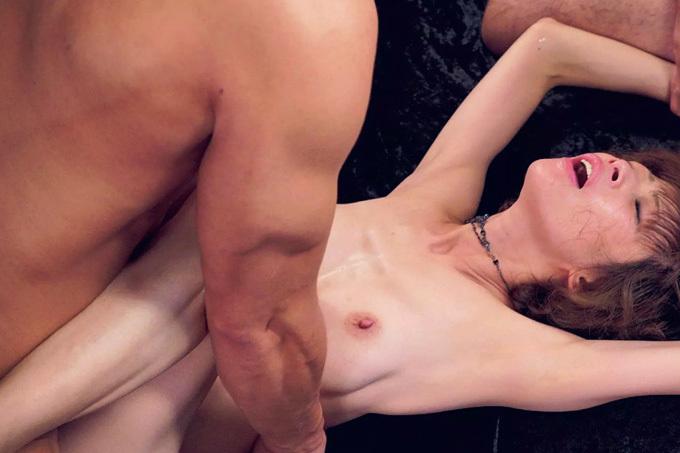 もちづきる美 元ギリギリガールズが溺れた…濃厚セックス!