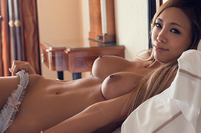 藤本紫媛 極上ボディが激しく揺れる…濃厚セックス画像