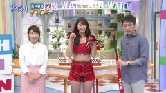 稲村亜美ホットパンツのスジ画像5