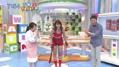 稲村亜美ホットパンツのスジ画像9