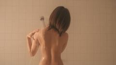 夏菜シャワーと巨乳の谷間画像2