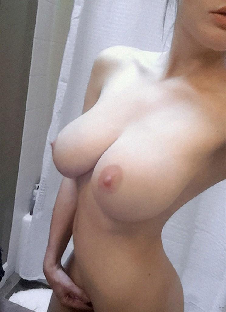 美乳なり7