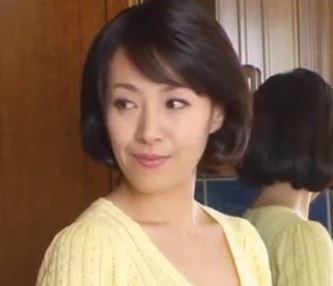 (ヒトヅマムービー)痴ジョ奥さん ダンナの居ない日中にオチンチンコ漁りが日課になってしまった強欲妻…谷原希美