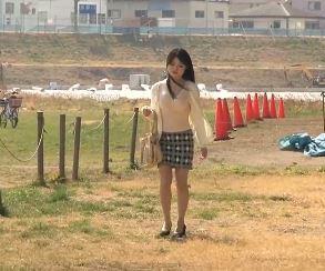 (ヒトヅマムービー)(初撮り奥さん)ダンナが失業して1才と4才の子供がいる家庭を支えるためにアダルトビデオに出演