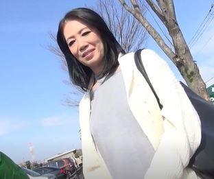(ヒトヅマムービー)《ヒトヅマキャッチ》50代おばさんの完熟まんこは蕩けそうで感度ビンビンで超超最高です