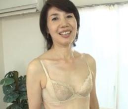 【人妻動画】(初撮りおばさん)もう50代超えて60代なのにSEXだけは卒業できない…