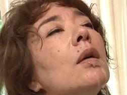 【五十路】極太ペニスの精液を浴びるおばさん 真梨邑ケイ - 熟女と夜を共に