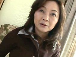 【五十路】性感帯を聞かれ恥ずかしがるおばさん 三田静香