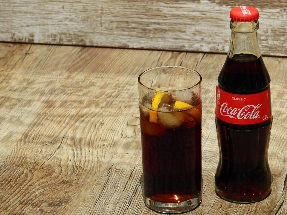コーラ 水中毒