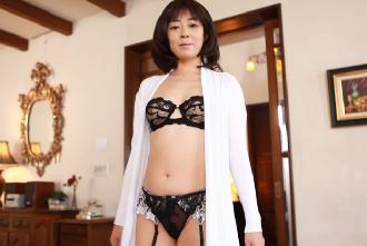 『小松千春』元芸能人がSexyなランジェリーで痴女の様に ...