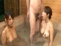 時間を止めて温泉中のお姉さんたちにチンポしゃぶらせてみたw