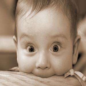 baby-face-surprise-toddler_convert_20170123193459.jpg