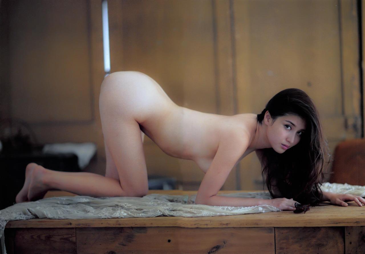 【エロ画像110枚】橋本マナミのエロシーン全部まとめ。ノーブラ乳揉みや乳首ポロ、パンチラ、お宝映像を総まとめした【保存版】