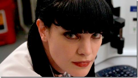 【世界の快道でイク!北米版】人気海外ドラマ「NCIS」の愛されキャラ、アビー・シュートことポーリー・ペレットのエロ動画像