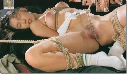 【SM夫婦生活の股縄動画像】『ご主人様、オ●ンコの縄はきつめにして下さい・・』04