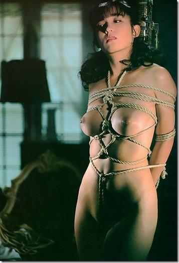 【SM夫婦生活の股縄動画像】『ご主人様、オ●ンコの縄はきつめにして下さい・・』12