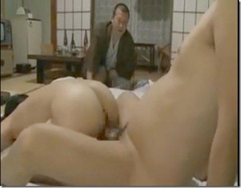 【昭和ロマン風寝取られエロ動画】盲目の按摩を呼び、一人旅のふりして夫の目の前で抱かれる人妻05
