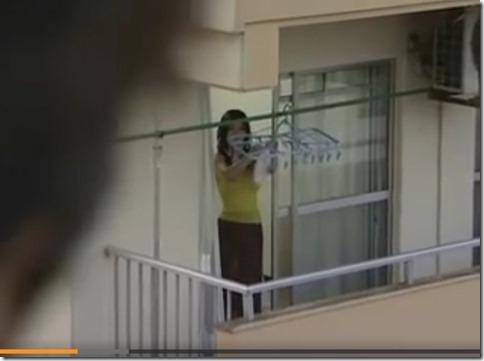 【昭和ロマンエロ動画】オマンコしたい人妻は、の●いてた男が来てくれるようにパンツに願いを込めて干す